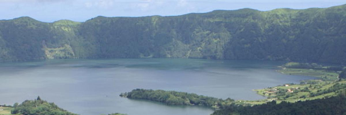 Volcanic crater lake, Lagoa das Sete Cidades, on the island of São Miguel